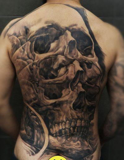 illusion_skull_tattoo_full_back_black_grey