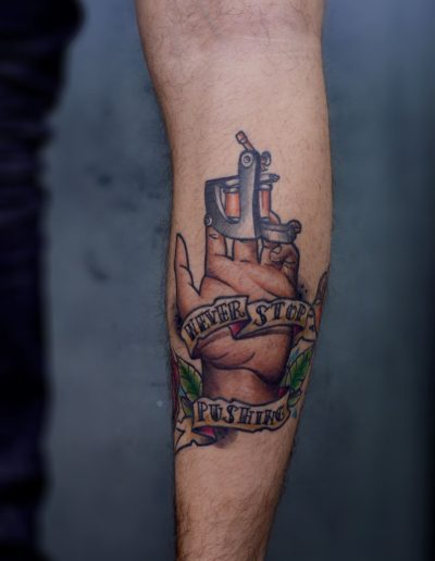 oldschool_colour_tattoo_hand