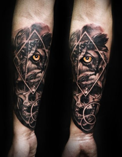 owl-skull-black-grey-realistic-tattoo-abstract